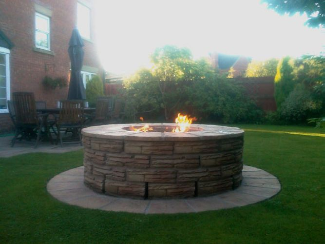 Outdoor Gas Firepit