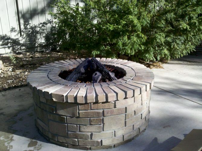 Outdoor Firepit - Logs